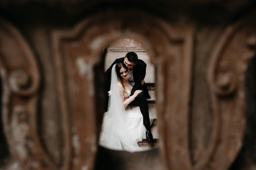 Sesja ślubna w opuszczonym Pałacu